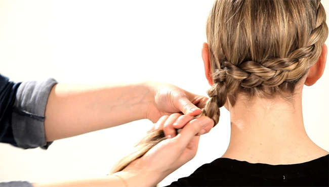 Wie man Dutch Braids - Video und ein Infographik Tutorial macht
